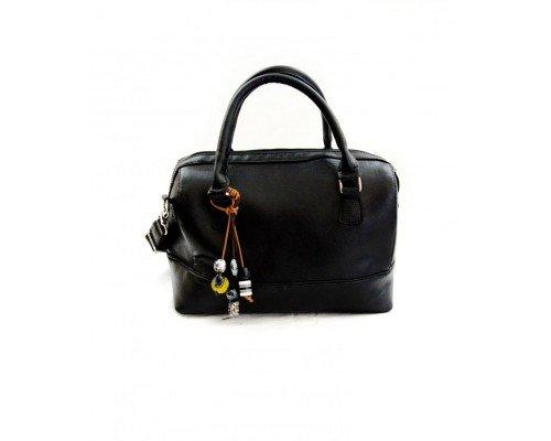 Дамска чанта черна с висулка